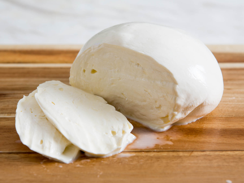 Pembagian Keju Mozarella